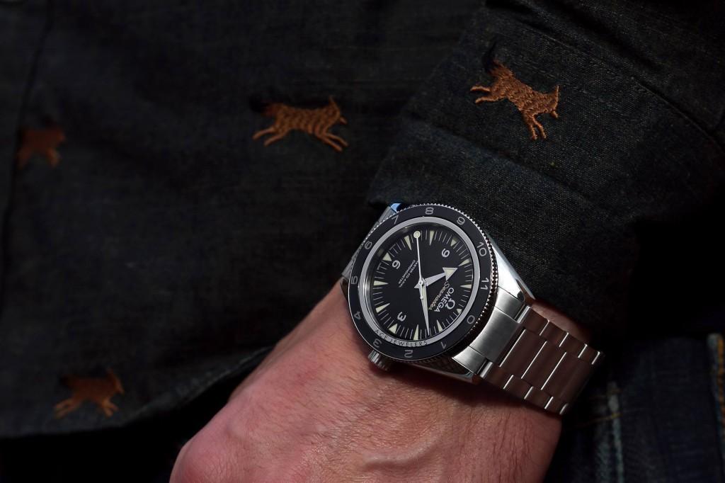 Omega Seamaster 300m Spectre 233.32.41.21.01.001 Bracelet Wristshot